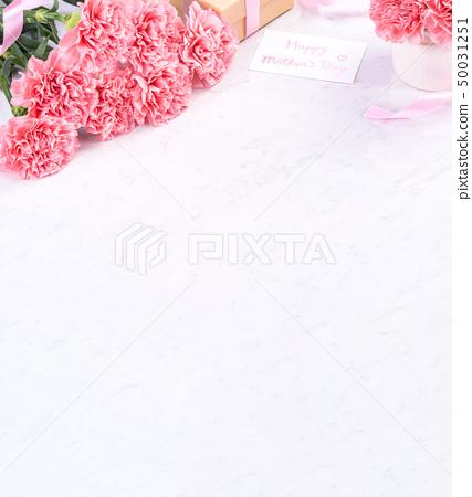 어머니 절 康乃 가오루 꽃다발 가루 색 꽃병 카네이션 상위 뷰 어머니의 날 carnation 50031251