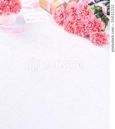 어머니 절 康乃 가오루 꽃다발 가루 색 꽃병 카네이션 상위 뷰 어머니의 날 carnation 50031252