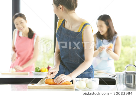 여성 요리 교실 50083994