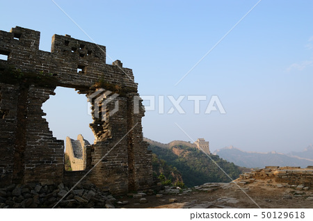 Dilapidated China Great Wall 50129618