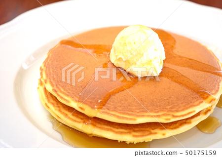 Delicious hot cake 50175159