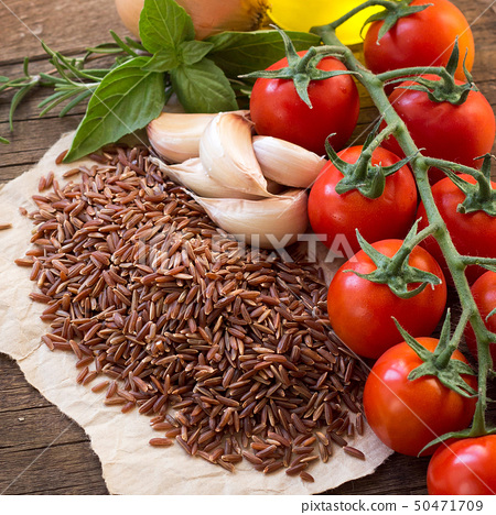 Red organic  rice, tomatoes, olive oil, garlic and 50471709
