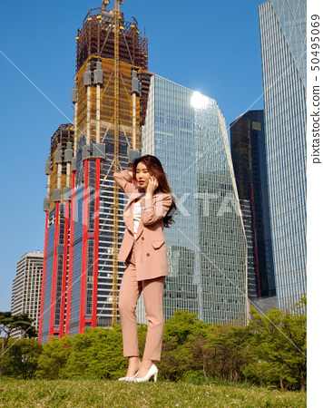 Business Woman, Korea, Seoul, Yeouido Park, Park, City, Skyscraper, Building Forest, Business, Healing, Relaxation, Relaxation 50495069