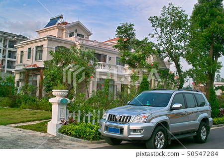 Car and house 50547284