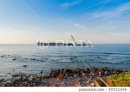 沉没的货船,在黄昏击毁 50552349