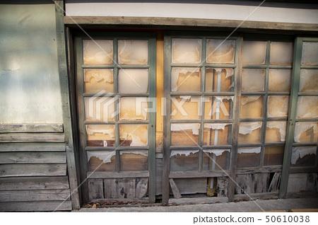 낡은 건물의 창문 50610038