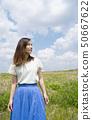 婦女畫象藍天 50667622