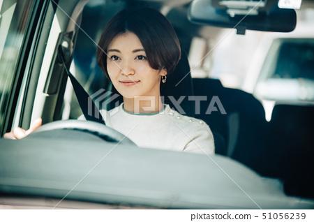 女人開車 51056239