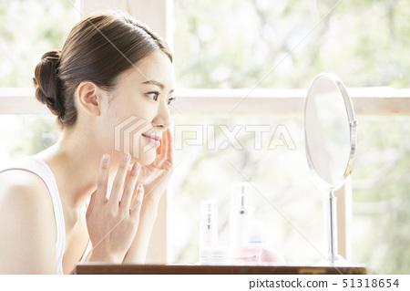 Women beauty 51318654