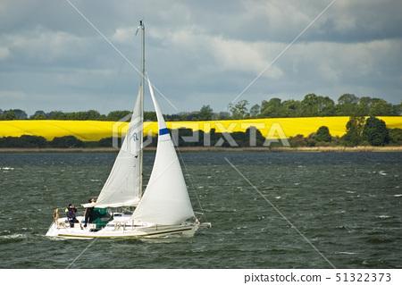 sailing 51322373