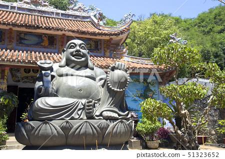 vietnam temple with buddha 51323652