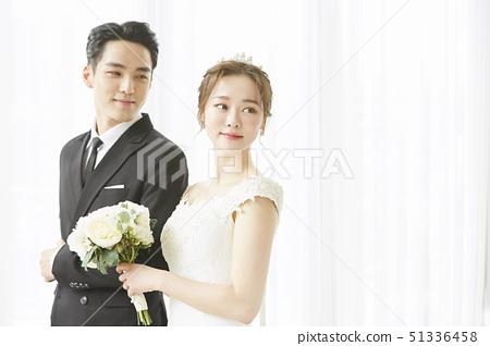 커플 결혼 51336458