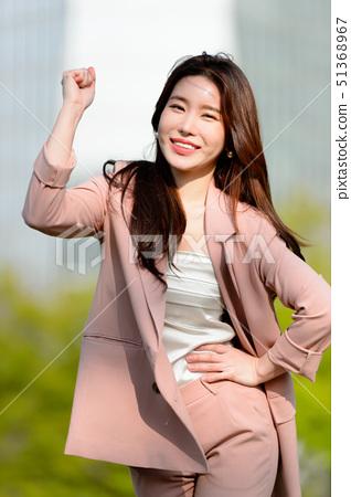 대한민국 여성의 표정, 라이프 스타일, 공원에서의 휴식 51368967