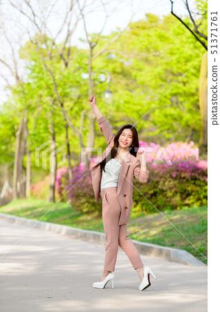 대한민국 여성의 표정, 라이프 스타일, 공원에서의 휴식 51371761