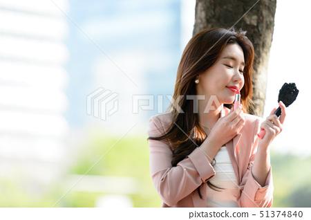대한민국 여성의 표정, 라이프 스타일, 공원에서의 휴식 51374840