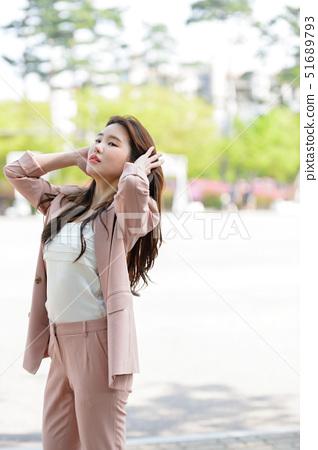 대한민국 여성의 표정, 라이프 스타일, 공원에서의 휴식 51689793