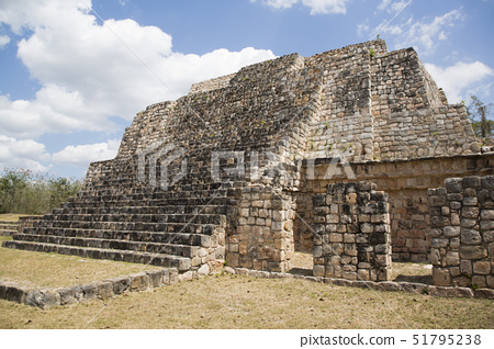 Mayan Ruins, Structure of the Canul Group, Oxkintok Archaeological Zone, 300 to 1050 AD, Yucatan, Me 51795238