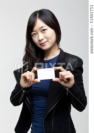젊은여자 51802752