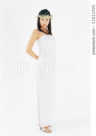 뒷짐,옷,흰색 51811505