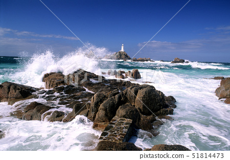 UK,Channel,Jersey,La Corbiere lighthouse at high tide 51814473