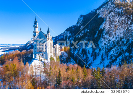 Beautiful view of world-famous Neuschwanstein Castle, the nineteenth-century Romanesque Revival 52908676