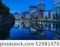 [도시 풍경】 도쿄역 보름달 52981970