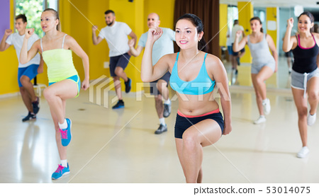 Smiling people performing modern dance 53014075