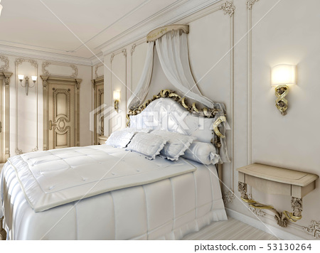 Great classic four-poster bed and soft white 53130264