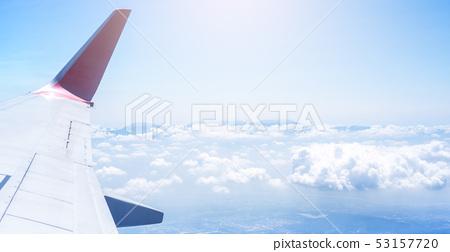 비행기 날개 하늘 흰 구름 비행기 항공기 날개 창 53157720