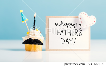 Father's day message with a cupcake 53166993