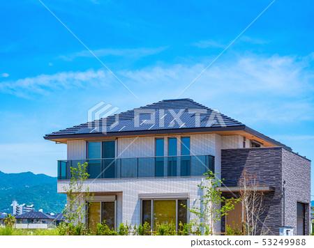 푸른 하늘과 신축 에코 하우스 53249988