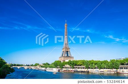 파리 에펠 탑과 세느 강 와이드 53284614