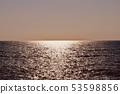 傍晚太陽的海和天空 53598856