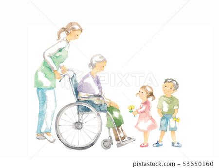 휠체어 할머니 개호와 아이들 53650160