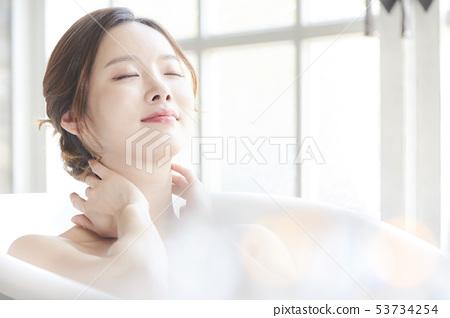 Woman beauty bath 53734254