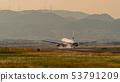 이타미 공항 비행기의 이착륙 53791209