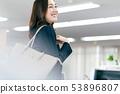 婦女出勤工作早晨辦公室事務 53896807
