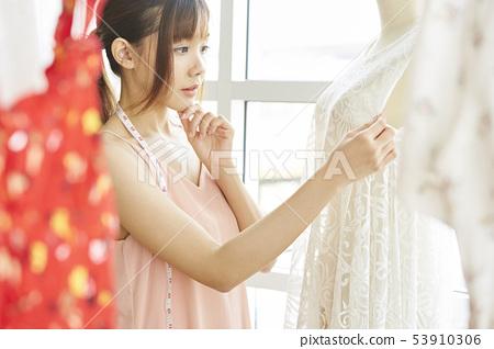 女服裝設計師 53910306