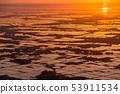 新潟จังหวัดนิอิกาตะ夜明けรุ่งอรุณและกระจกน้ำของที่ราบเอจิโก 53911534