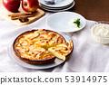 Apple tart 53914975