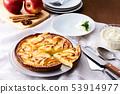 Apple tart 53914977