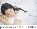 Woman lifestyle sleep 53916042