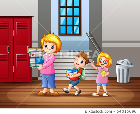 A children help the teacher carry a book 54015696