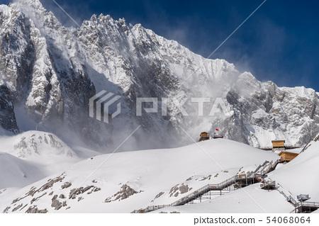 中國麗江玉龍雪山 中国観光スポット China Jade Dragon Snow Mountain 54068064
