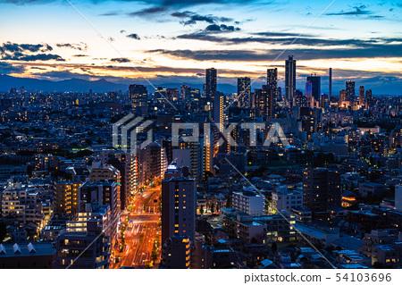 《東京》朝著池袋的東京夜景 54103696