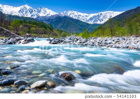 《Nagano Prefecture》 Hakuba Village/Clear stream in the Northern Alps 54141103