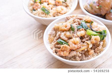 台灣小豬肉食品紅燒豬肉飯台灣風格的肉soboro碗rouleaux風扇 54169258