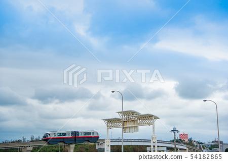 Yui Rail monorail seen from Okinawa Naha Airport 54182865