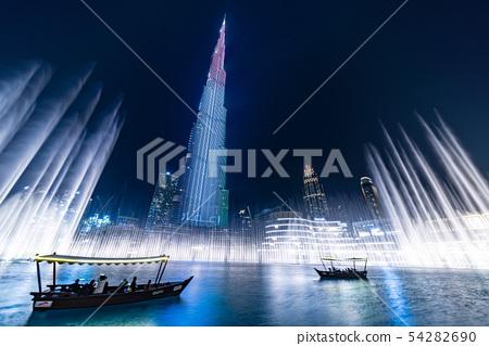 迪拜哈利法塔在世界排名第一的噴泉表演 54282690