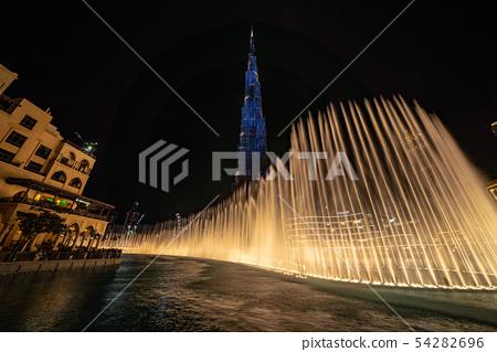 迪拜哈利法塔在世界排名第一的噴泉表演 54282696
